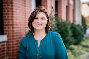 Amy Hollas - Licensed Real Estate Assistant - Headshot